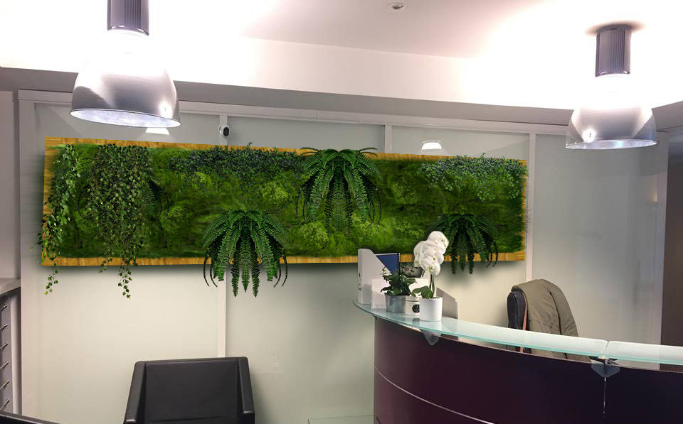 pan de mur végétalisé, plantes au travail